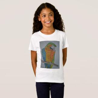 オウム パロット Macaw Parrot chewing on foot T-Shirt