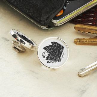 檜 fan butterfly lapel pin