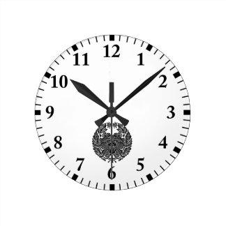鷹 Osamu peony (research of fixed crest) Round Clock