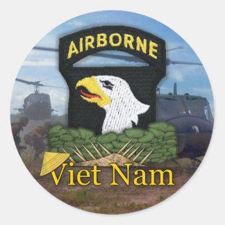 101st ABN airborne division veterans vietnam Classic Round Sticker