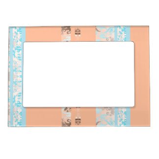 115.JPG MAGNETIC PICTURE FRAME