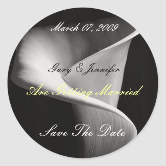 175907, Save The Date, Are Getting... - Customized Classic Round Sticker