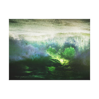 "18""x24"" Emerald Heart Wave Canvas Print"