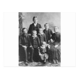 1900's Family Portrait Postcard