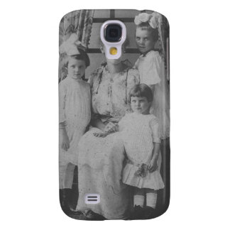 1900's Mother and Three Daughters Samsung Galaxy S4 Cover