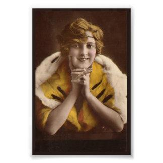 1922 Modern Girl Photo Art