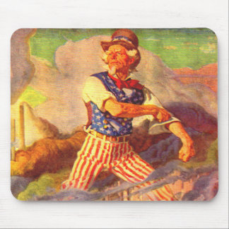 1940s heroic Uncle Sam rolls up his sleeve Mouse Pad