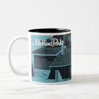 1957 Award Winner - The Parkwood Mug