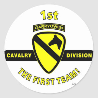 """1ST CAVALRY DIVISION """"THE FIRST TEAM"""" CLASSIC ROUND STICKER"""