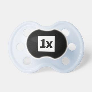1x 0-6 months BooginHead® dummy, light blue/black Pacifier
