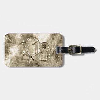 2018 Metal Look Grad Ribbon, Diploma Leaning Luggage Tag