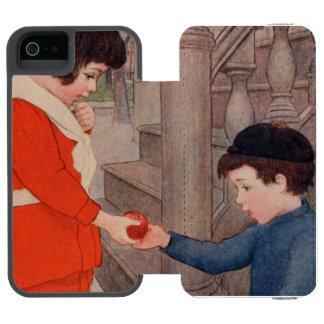 2 kids sharing an apple incipio watson™ iPhone 5 wallet case