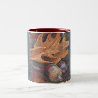 2-tone coffee mug with acorns and leaves