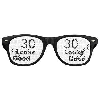 30 Looks Good © Funny 30th Birthday Gag Gift Sunglasses