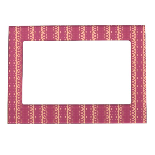 31.JPG MAGNETIC PICTURE FRAME