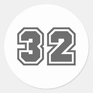 32 CLASSIC ROUND STICKER