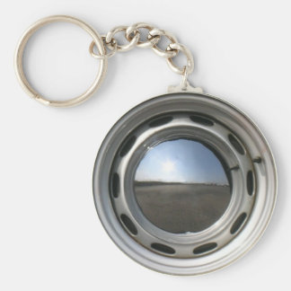 356 Classic car wheel (rim) with chrome hubcap Keychain