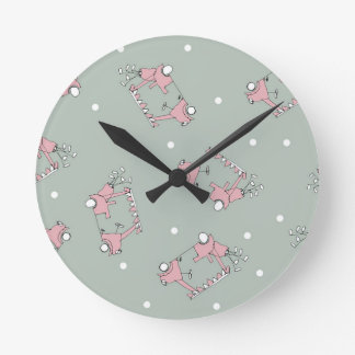 35) Golf Design from Tony Fernandes Round Clock