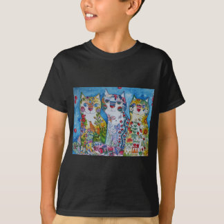 3 happy cats T-Shirt