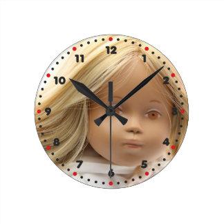 40223 Sasha baby doll Irka clock