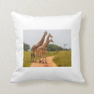 40,6 cm - Designer almofada 40,6 cm x Giraffes Throw Pillow
