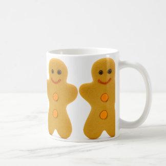 4 gingerbread men in a line mug