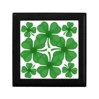 4 leaf clover gift box