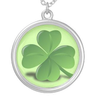 4 leaf clover round pendant necklace