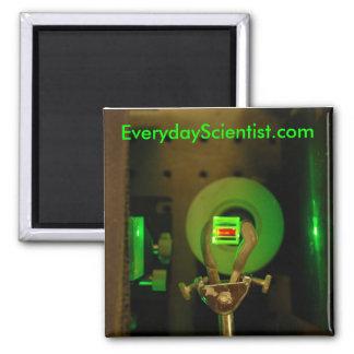 532-2v, EverydayScientist.com Magnet