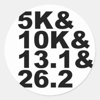 5K&10K&13.1&26.2 (blk) Classic Round Sticker
