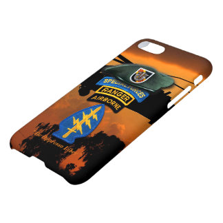 5th Special Forces Group Green Berets SF SFG Vets iPhone 8/7 Case