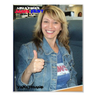 "8x10 ""YANA THUMBS UP"" Photo"