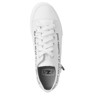 A casual creative everyday canvas tenni shoes. Low-Top sneakers