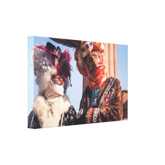 A couple in the Venice carnival Canvas Print