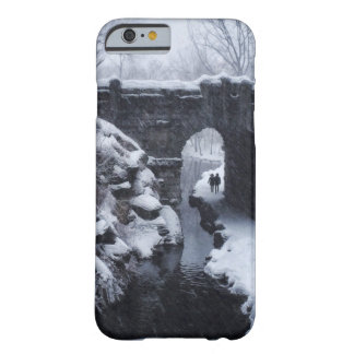 A Couple Walking Under a Snowy Glen Span Arch Barely There iPhone 6 Case