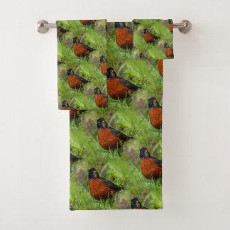 A Curious American Robin Bath Towel Set