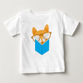 a cute fox reading baby T-Shirt