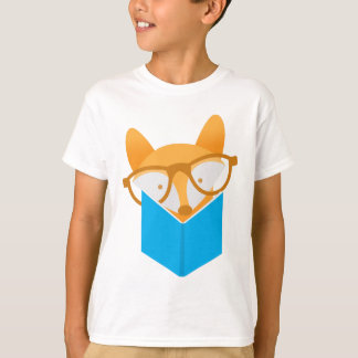 a cute fox reading T-Shirt
