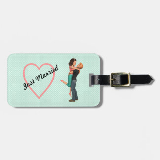 A Cute Romance: Sweethearts Embrace (Personalized) Luggage Tag