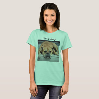 A dog lover tee shirt