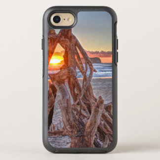 A Driftwood Sunrise OtterBox Symmetry iPhone 8/7 Case