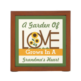 A Garden of Love Grows in a Grandma's Heart Pencil/Pen Holder