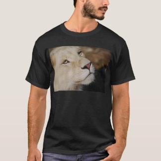 A gentle lion T-Shirt