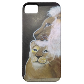 A king protects his queen case for the iPhone 5