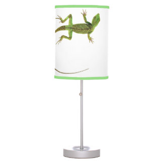 A lizard on pure white ground table lamp