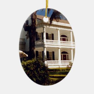 A Louisiana Plantation Ceramic Oval Ornament