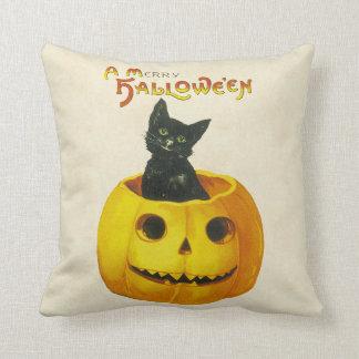 A Merry Hallowe en Pillows