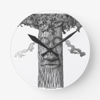 A Mighty Tree Cover &W Round Clock