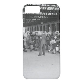 A scene at a London railway station_War Image iPhone 7 Case