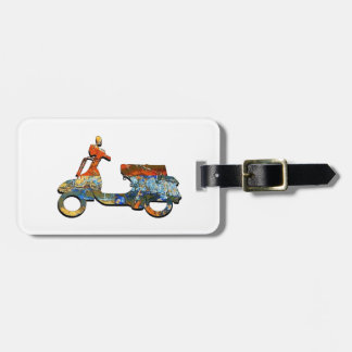 A SCOOTING ALONG LUGGAGE TAG